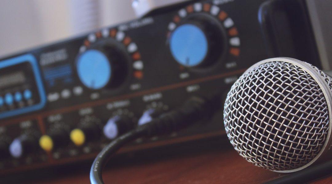Mics & Studio Equipments
